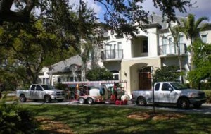 Pressure cleaning of a large home in Pinecrest