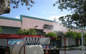 Exterior cleaning North Miami retail golf shop