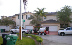 Residential pressure cleaning in Las Cascadas community